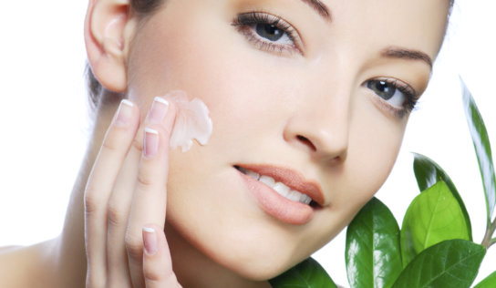 Beautiful Skin Naturally – Making Your Own Aromatherapy Skin Care Blends