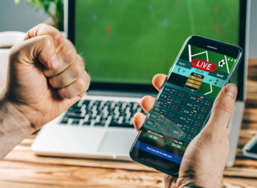 The Pros and Cons of Mobile Gambling